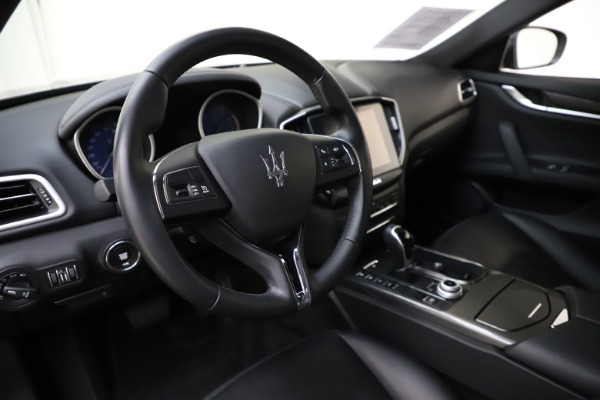 Used 2017 Maserati Ghibli S Q4 for sale $41,900 at Rolls-Royce Motor Cars Greenwich in Greenwich CT 06830 13