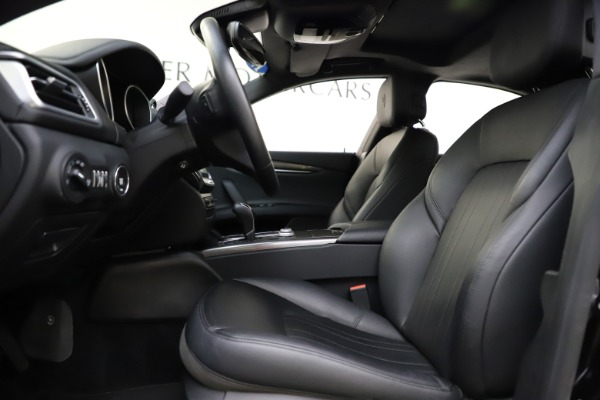Used 2017 Maserati Ghibli S Q4 for sale $41,900 at Rolls-Royce Motor Cars Greenwich in Greenwich CT 06830 14