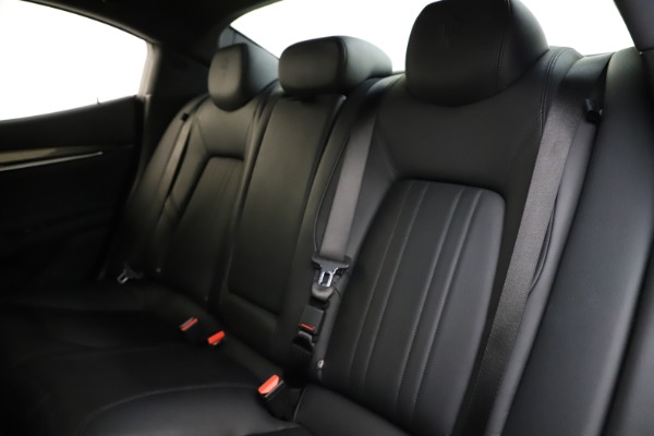 Used 2017 Maserati Ghibli S Q4 for sale $41,900 at Rolls-Royce Motor Cars Greenwich in Greenwich CT 06830 18