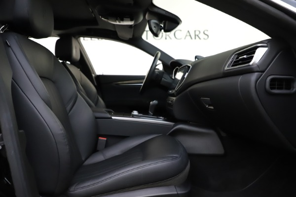 Used 2017 Maserati Ghibli S Q4 for sale $41,900 at Rolls-Royce Motor Cars Greenwich in Greenwich CT 06830 23
