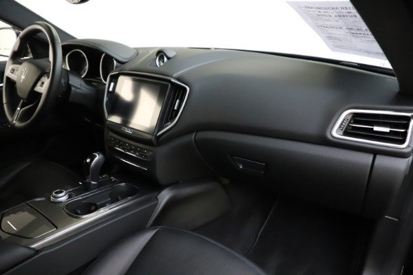 Used 2017 Maserati Ghibli S Q4 for sale $41,900 at Rolls-Royce Motor Cars Greenwich in Greenwich CT 06830 24