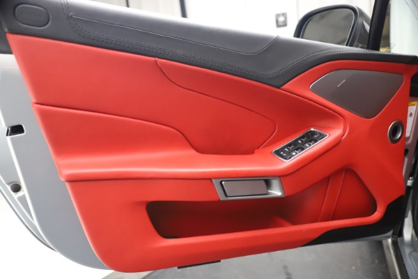 Used 2014 Aston Martin Vanquish Volante for sale $129,900 at Rolls-Royce Motor Cars Greenwich in Greenwich CT 06830 23