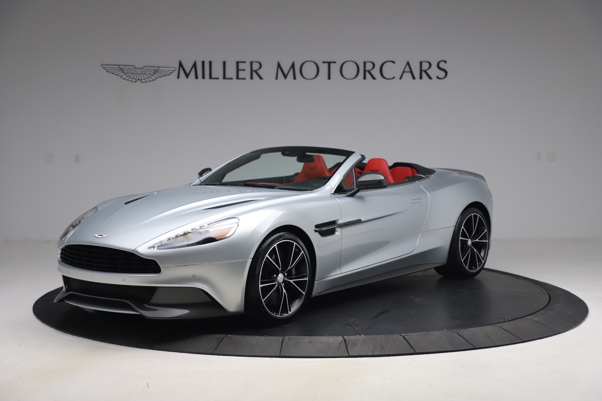 Used 2014 Aston Martin Vanquish Volante for sale $129,900 at Rolls-Royce Motor Cars Greenwich in Greenwich CT 06830 1