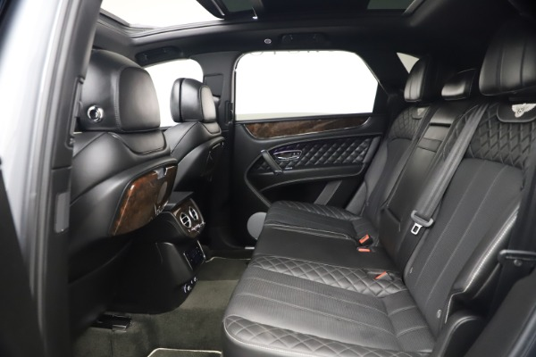 Used 2018 Bentley Bentayga W12 Signature Edition for sale $149,900 at Rolls-Royce Motor Cars Greenwich in Greenwich CT 06830 23