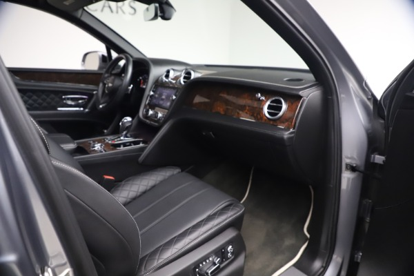 Used 2018 Bentley Bentayga W12 Signature Edition for sale $149,900 at Rolls-Royce Motor Cars Greenwich in Greenwich CT 06830 26