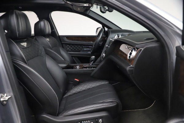 Used 2018 Bentley Bentayga W12 Signature Edition for sale $149,900 at Rolls-Royce Motor Cars Greenwich in Greenwich CT 06830 27