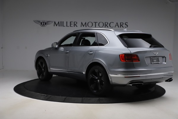 Used 2018 Bentley Bentayga W12 Signature Edition for sale $149,900 at Rolls-Royce Motor Cars Greenwich in Greenwich CT 06830 5