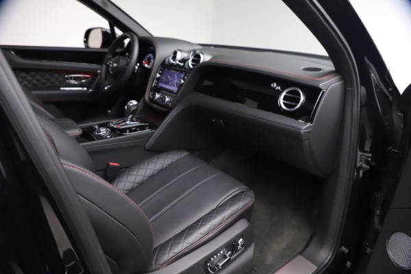 Used 2018 Bentley Bentayga Black Edition for sale $169,900 at Rolls-Royce Motor Cars Greenwich in Greenwich CT 06830 24