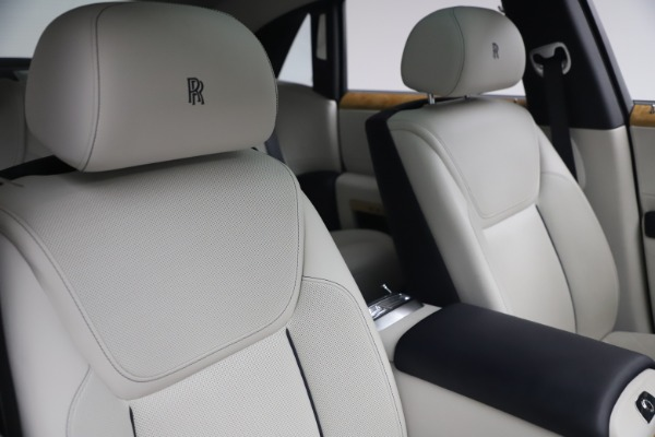 Used 2018 Rolls-Royce Ghost for sale $249,900 at Rolls-Royce Motor Cars Greenwich in Greenwich CT 06830 15