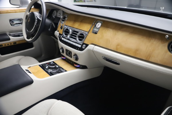 Used 2018 Rolls-Royce Ghost for sale $249,900 at Rolls-Royce Motor Cars Greenwich in Greenwich CT 06830 17