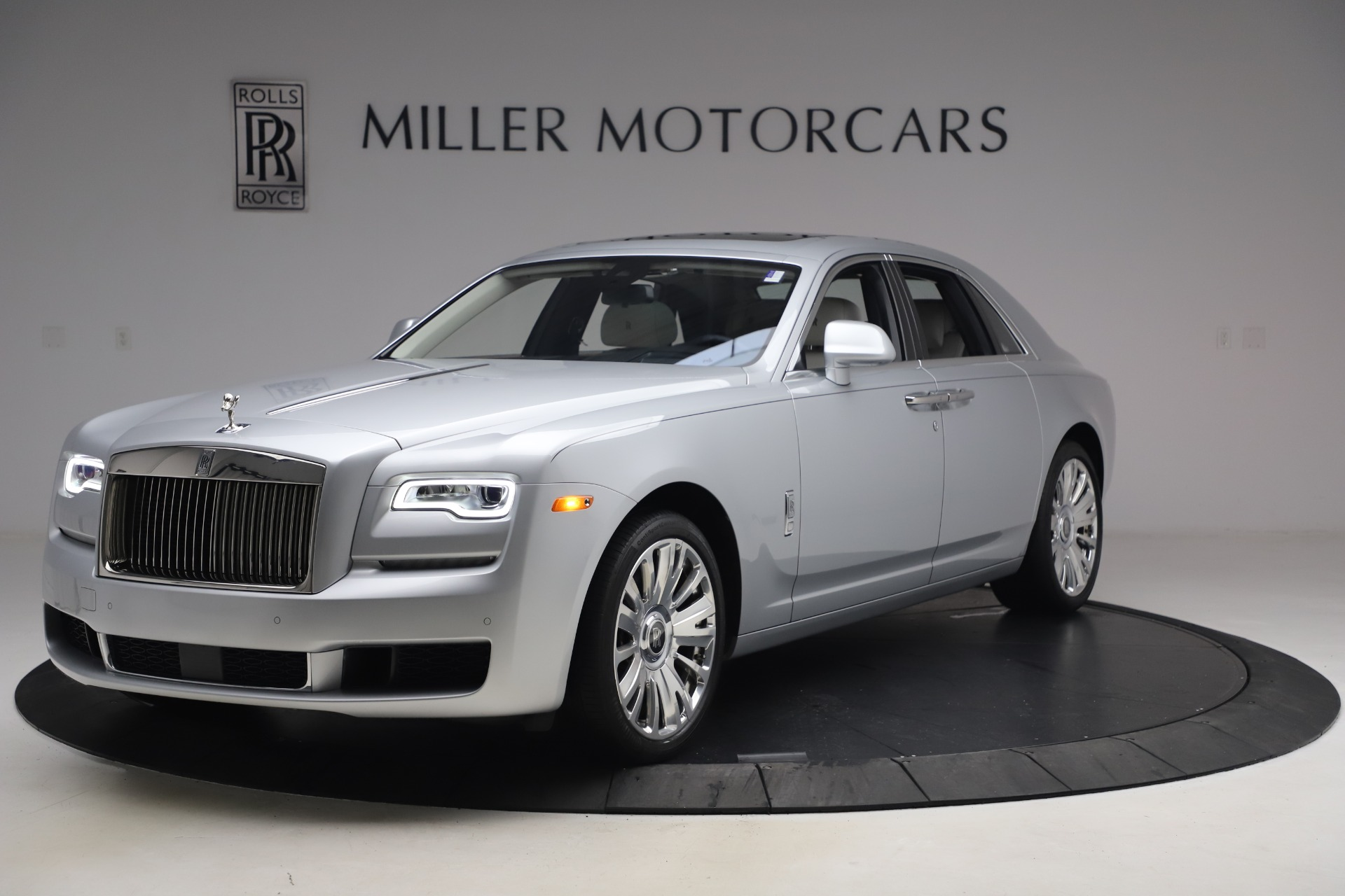 Used 2018 Rolls-Royce Ghost for sale $249,900 at Rolls-Royce Motor Cars Greenwich in Greenwich CT 06830 1