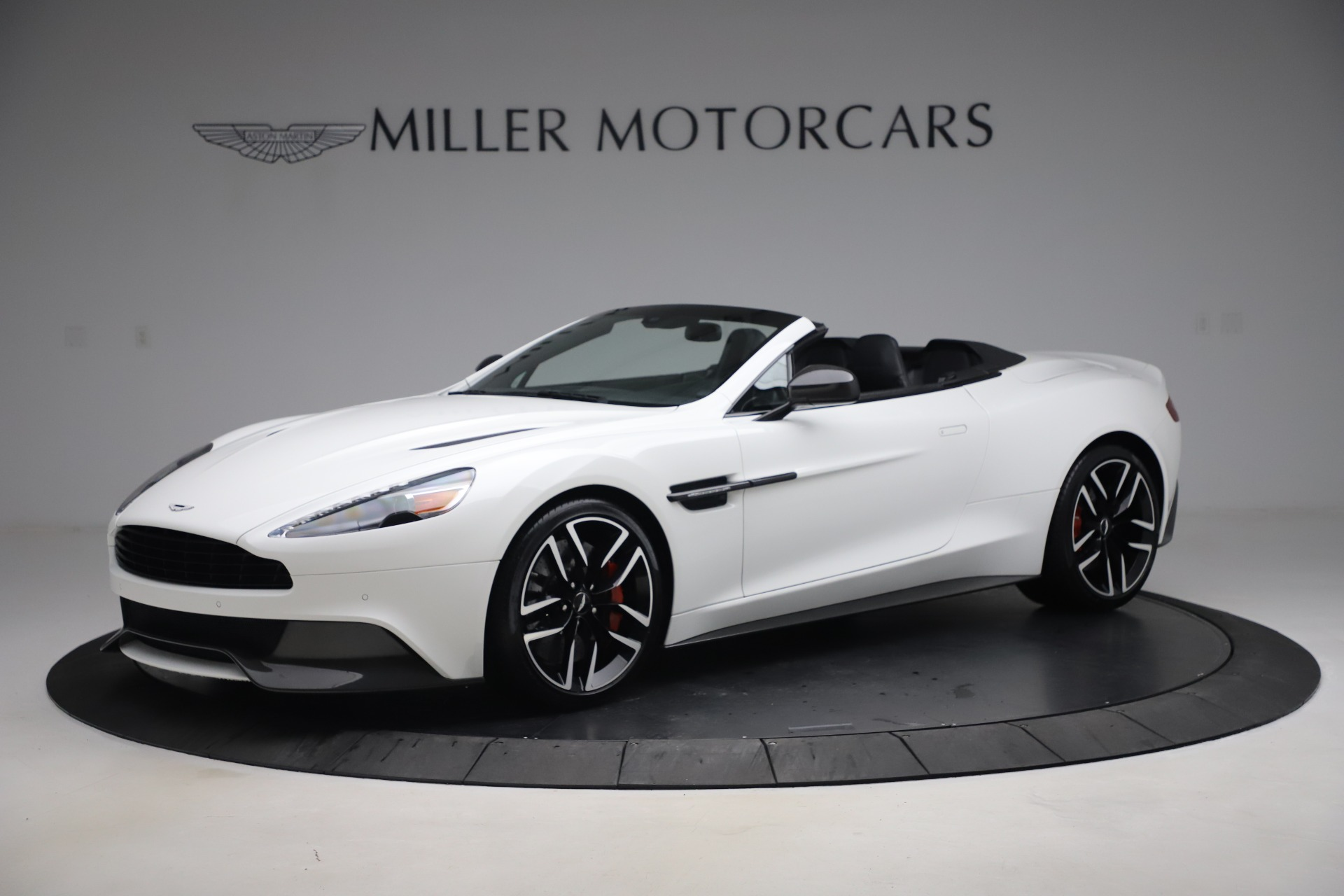 Used 2015 Aston Martin Vanquish Volante for sale $139,900 at Rolls-Royce Motor Cars Greenwich in Greenwich CT 06830 1