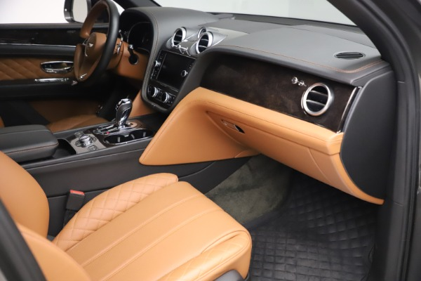 Used 2018 Bentley Bentayga W12 for sale $156,900 at Rolls-Royce Motor Cars Greenwich in Greenwich CT 06830 28