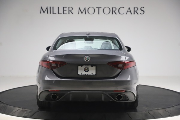 Used 2017 Alfa Romeo Giulia Ti Sport for sale $26,900 at Rolls-Royce Motor Cars Greenwich in Greenwich CT 06830 7