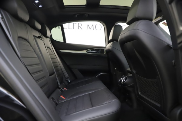 New 2020 Alfa Romeo Stelvio Ti Sport Q4 for sale Sold at Rolls-Royce Motor Cars Greenwich in Greenwich CT 06830 25