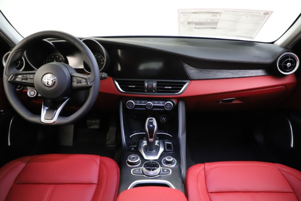 New 2021 Alfa Romeo Giulia Q4 for sale $48,035 at Rolls-Royce Motor Cars Greenwich in Greenwich CT 06830 28