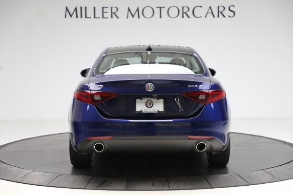 New 2021 Alfa Romeo Giulia Q4 for sale $46,800 at Rolls-Royce Motor Cars Greenwich in Greenwich CT 06830 6