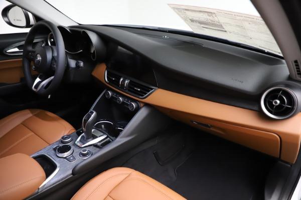 New 2021 Alfa Romeo Giulia Q4 for sale $45,735 at Rolls-Royce Motor Cars Greenwich in Greenwich CT 06830 22