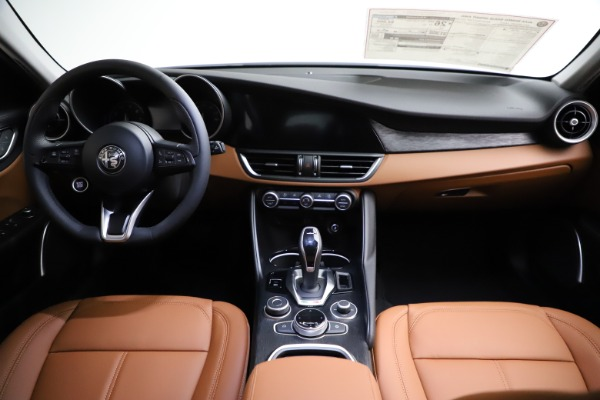 New 2021 Alfa Romeo Giulia Q4 for sale $45,735 at Rolls-Royce Motor Cars Greenwich in Greenwich CT 06830 26