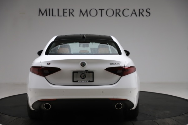 New 2021 Alfa Romeo Giulia Q4 for sale $45,735 at Rolls-Royce Motor Cars Greenwich in Greenwich CT 06830 6