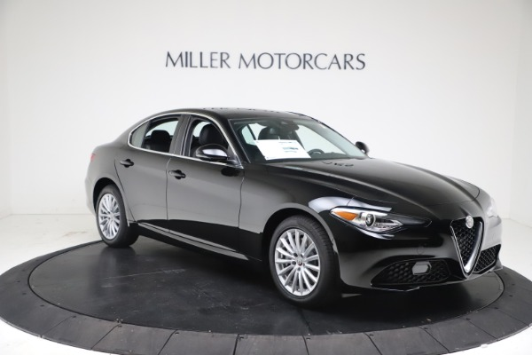 New 2021 Alfa Romeo Giulia Q4 for sale Call for price at Rolls-Royce Motor Cars Greenwich in Greenwich CT 06830 10