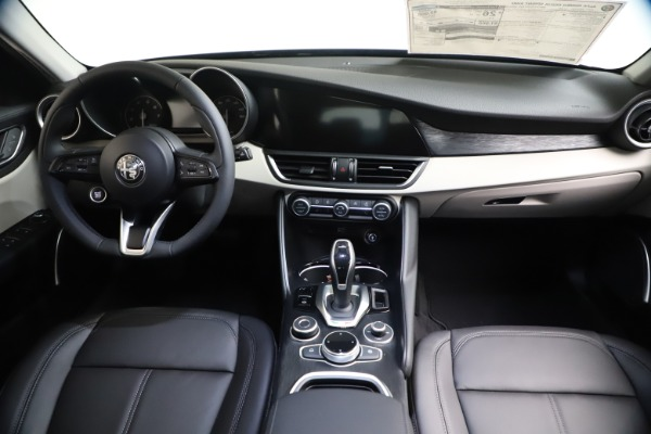New 2021 Alfa Romeo Giulia Q4 for sale Call for price at Rolls-Royce Motor Cars Greenwich in Greenwich CT 06830 15