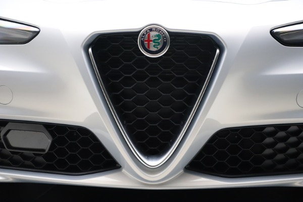 New 2021 Alfa Romeo Giulia Q4 for sale $46,490 at Rolls-Royce Motor Cars Greenwich in Greenwich CT 06830 25