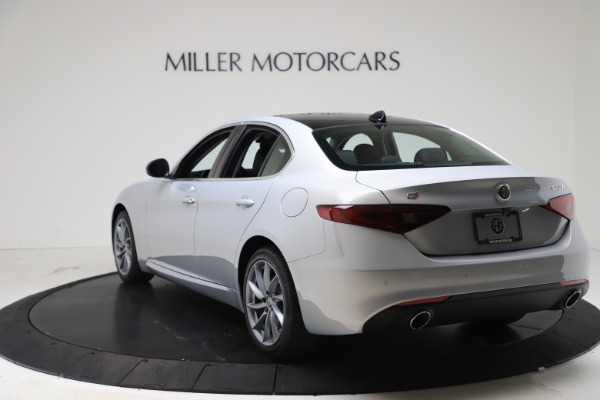 New 2021 Alfa Romeo Giulia Q4 for sale $46,490 at Rolls-Royce Motor Cars Greenwich in Greenwich CT 06830 5