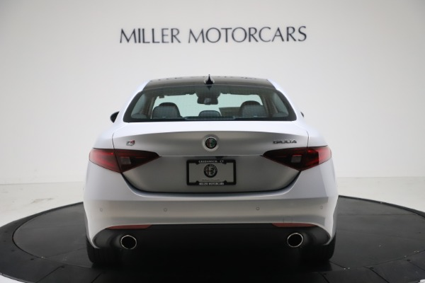 New 2021 Alfa Romeo Giulia Q4 for sale $46,490 at Rolls-Royce Motor Cars Greenwich in Greenwich CT 06830 6