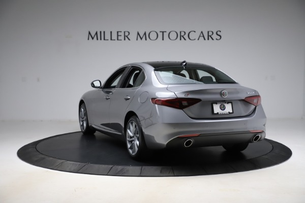 New 2021 Alfa Romeo Giulia Q4 for sale $47,085 at Rolls-Royce Motor Cars Greenwich in Greenwich CT 06830 5