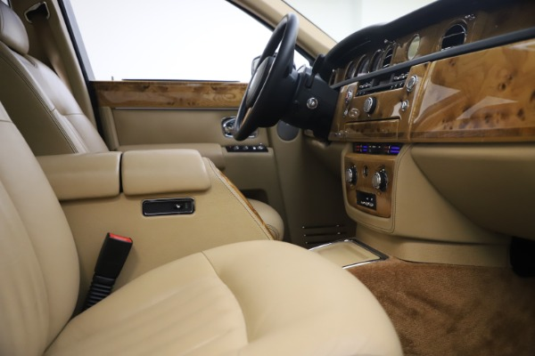 Used 2006 Rolls-Royce Phantom for sale $109,900 at Rolls-Royce Motor Cars Greenwich in Greenwich CT 06830 24
