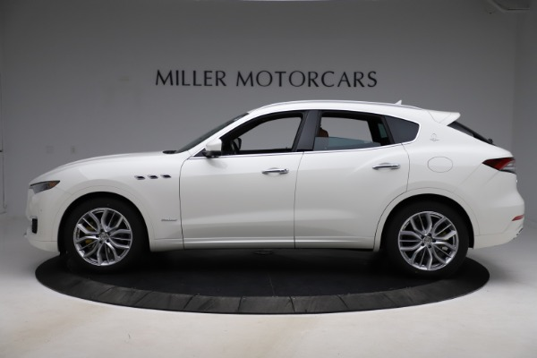 New 2021 Maserati Levante Q4 GranLusso for sale Sold at Rolls-Royce Motor Cars Greenwich in Greenwich CT 06830 3
