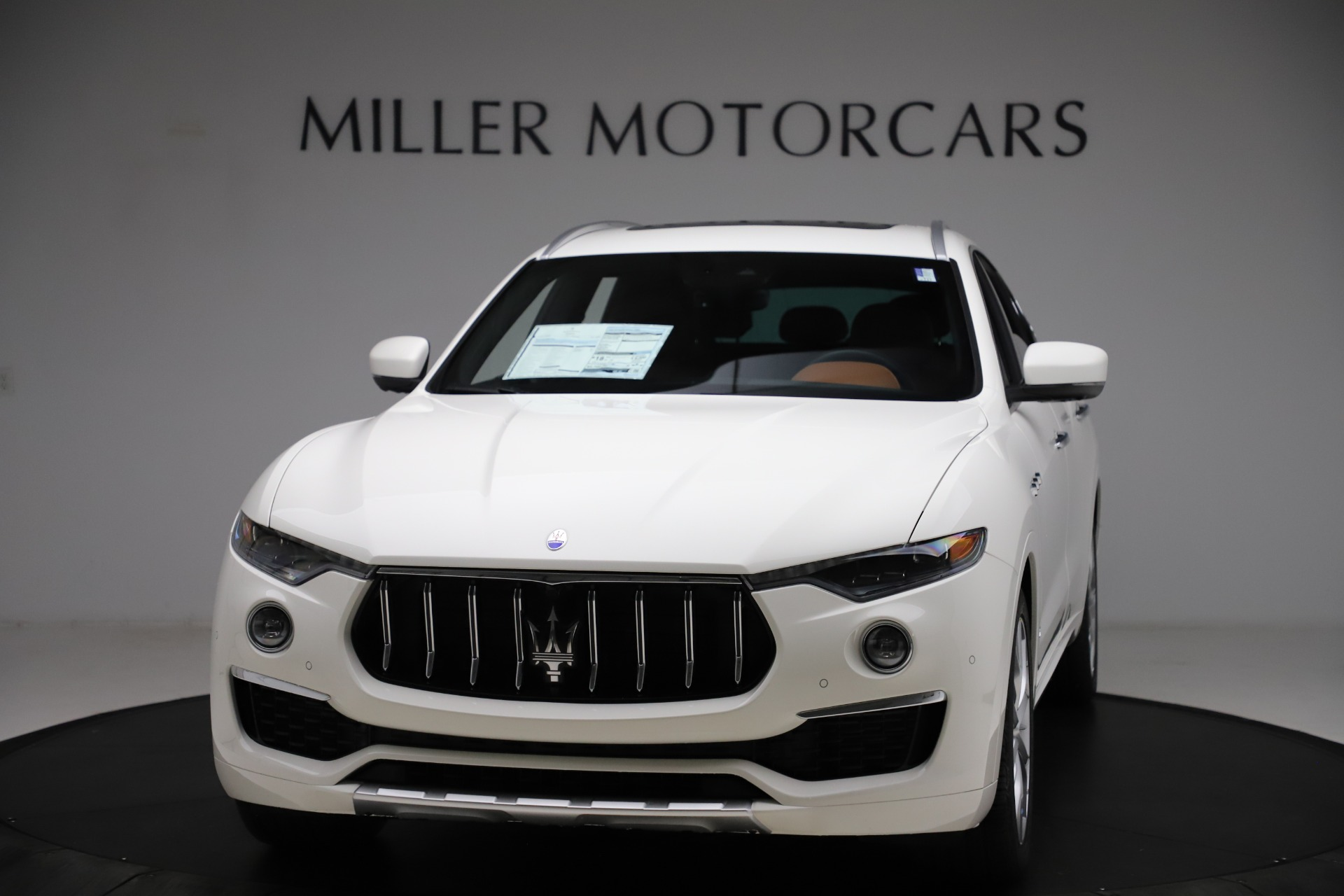 New 2021 Maserati Levante Q4 GranLusso for sale Sold at Rolls-Royce Motor Cars Greenwich in Greenwich CT 06830 1