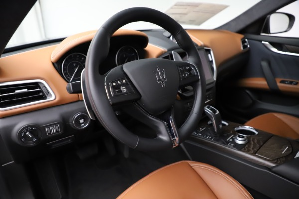 New 2021 Maserati Ghibli S Q4 GranLusso for sale Sold at Rolls-Royce Motor Cars Greenwich in Greenwich CT 06830 17