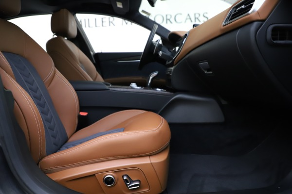 New 2021 Maserati Ghibli S Q4 GranLusso for sale Sold at Rolls-Royce Motor Cars Greenwich in Greenwich CT 06830 25