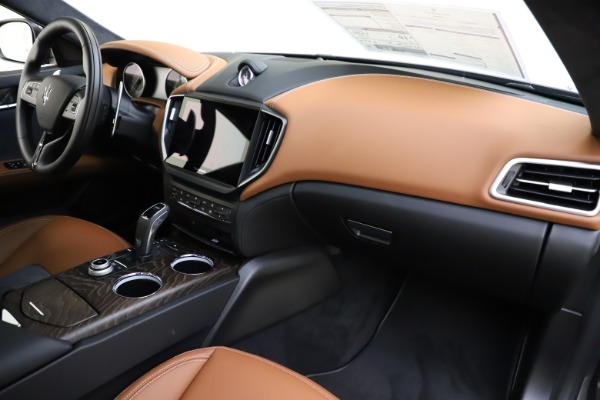 New 2021 Maserati Ghibli S Q4 GranLusso for sale Sold at Rolls-Royce Motor Cars Greenwich in Greenwich CT 06830 26