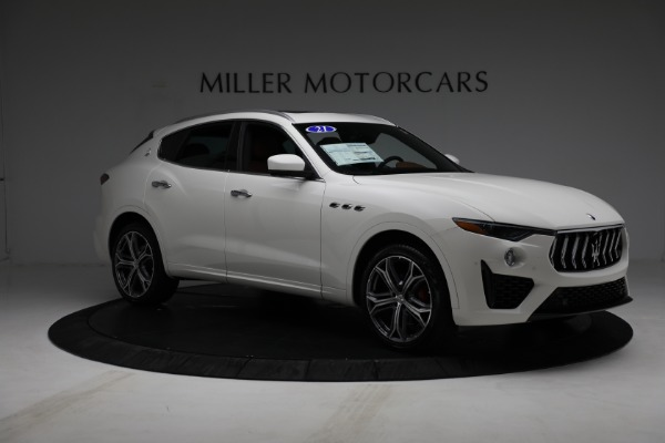 New 2021 Maserati Levante Q4 for sale $85,625 at Rolls-Royce Motor Cars Greenwich in Greenwich CT 06830 11