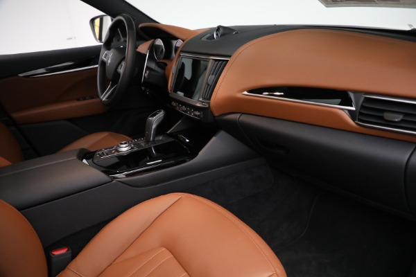New 2021 Maserati Levante Q4 for sale $85,625 at Rolls-Royce Motor Cars Greenwich in Greenwich CT 06830 22