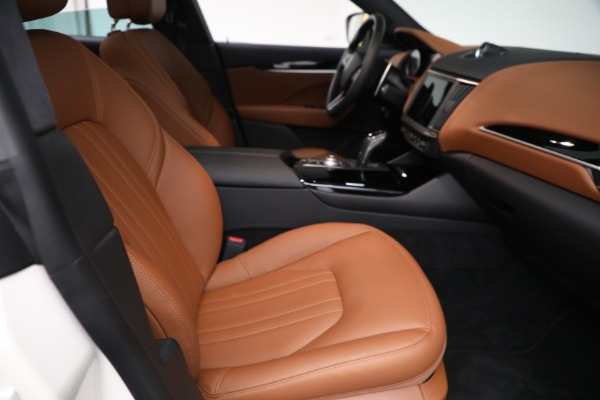 New 2021 Maserati Levante Q4 for sale $85,625 at Rolls-Royce Motor Cars Greenwich in Greenwich CT 06830 23