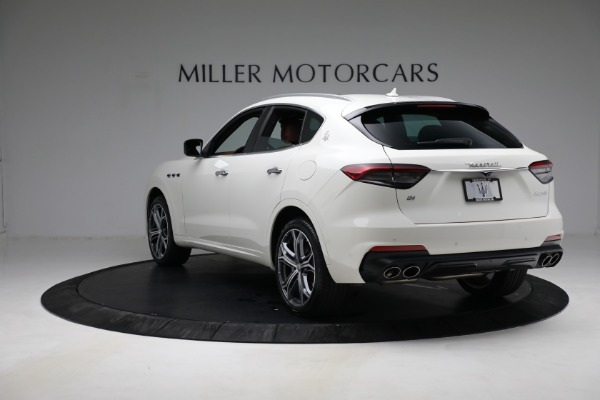 New 2021 Maserati Levante Q4 for sale $85,625 at Rolls-Royce Motor Cars Greenwich in Greenwich CT 06830 5