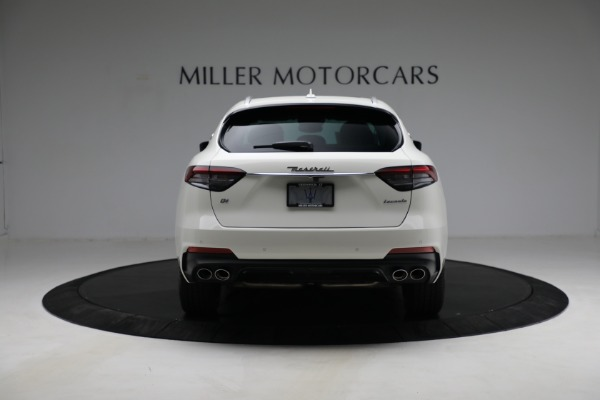 New 2021 Maserati Levante Q4 for sale $85,625 at Rolls-Royce Motor Cars Greenwich in Greenwich CT 06830 7