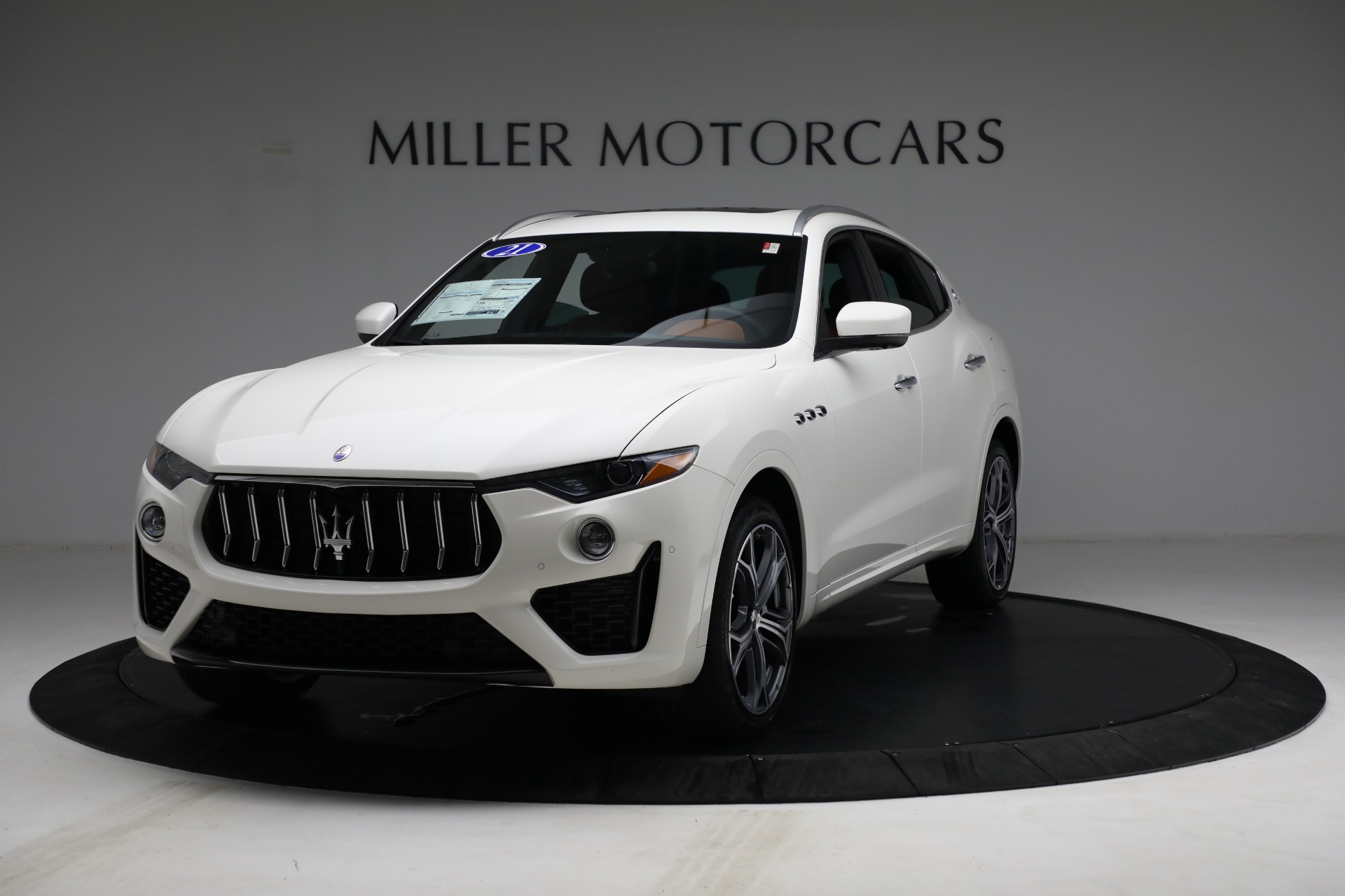 New 2021 Maserati Levante Q4 for sale $85,625 at Rolls-Royce Motor Cars Greenwich in Greenwich CT 06830 1