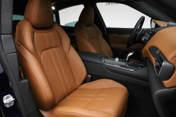 New 2021 Maserati Levante S Q4 GranSport for sale $100,185 at Rolls-Royce Motor Cars Greenwich in Greenwich CT 06830 24