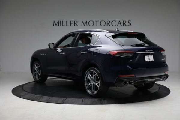 New 2021 Maserati Levante Q4 for sale Call for price at Rolls-Royce Motor Cars Greenwich in Greenwich CT 06830 5