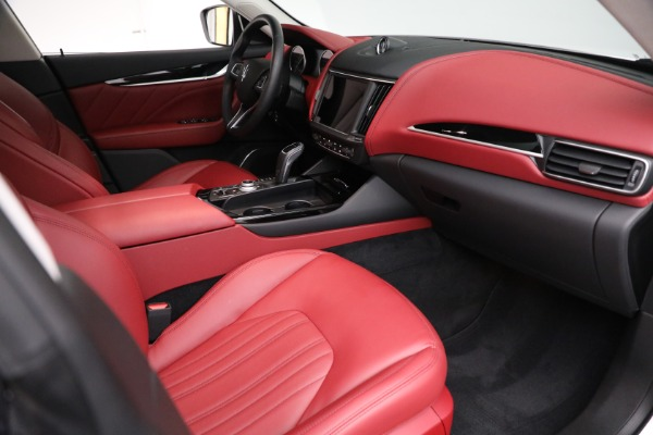 New 2021 Maserati Levante Q4 for sale $89,175 at Rolls-Royce Motor Cars Greenwich in Greenwich CT 06830 19