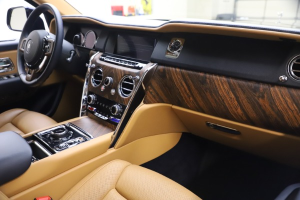 Used 2019 Rolls-Royce Cullinan for sale Sold at Rolls-Royce Motor Cars Greenwich in Greenwich CT 06830 17