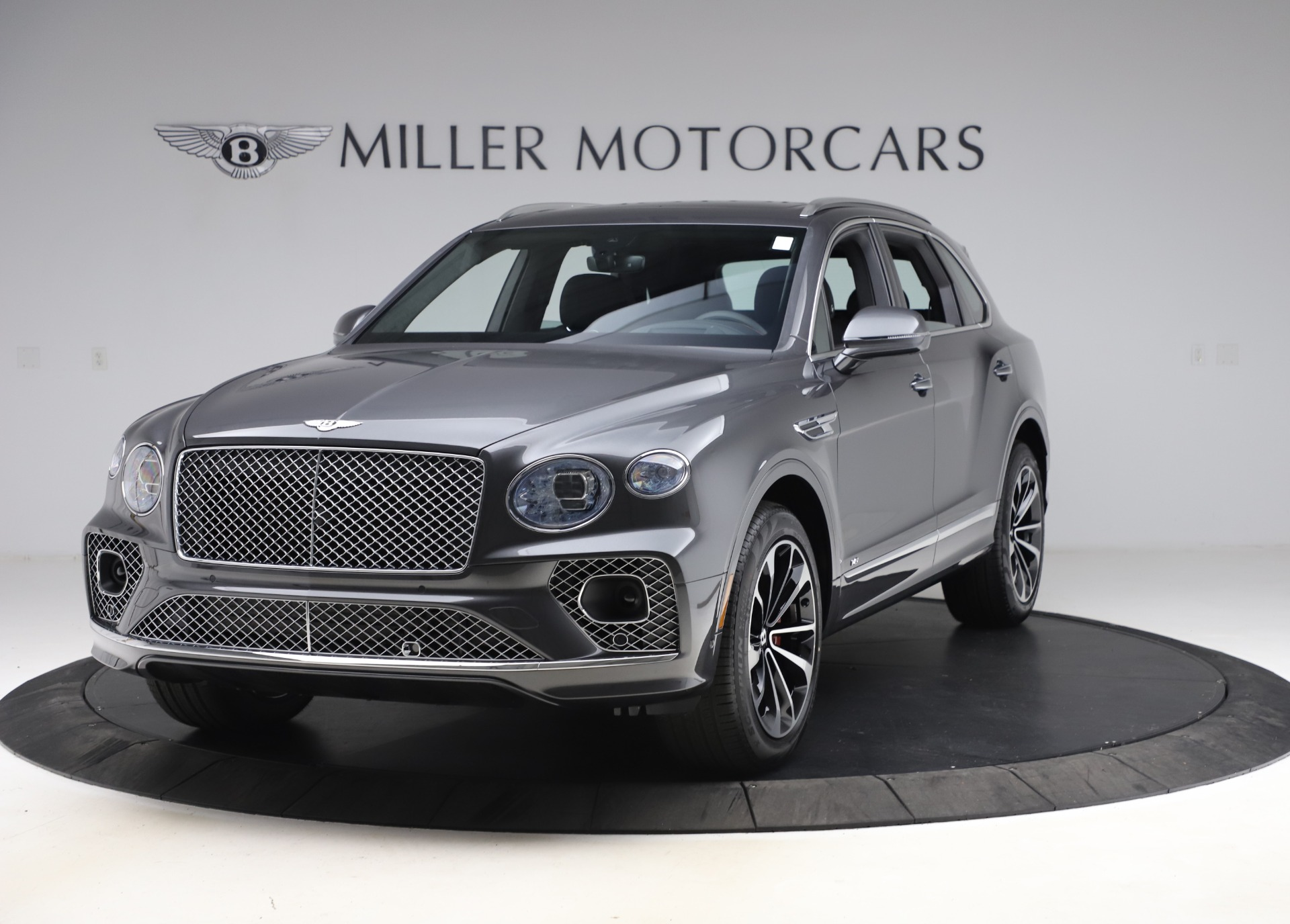New 2021 Bentley Bentayga V8 for sale $213,720 at Rolls-Royce Motor Cars Greenwich in Greenwich CT 06830 1