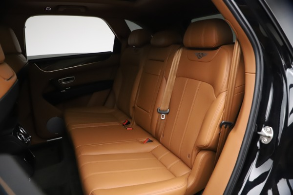 Used 2018 Bentley Bentayga Onyx Edition for sale $139,900 at Rolls-Royce Motor Cars Greenwich in Greenwich CT 06830 18