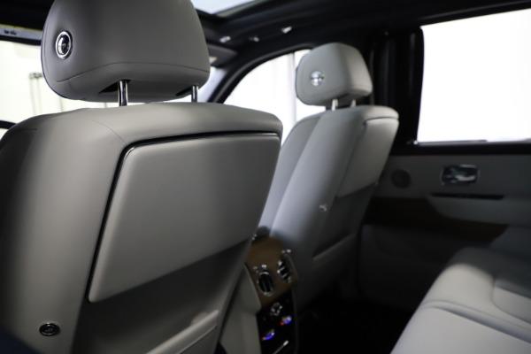 Used 2019 Rolls-Royce Cullinan for sale $349,900 at Rolls-Royce Motor Cars Greenwich in Greenwich CT 06830 19
