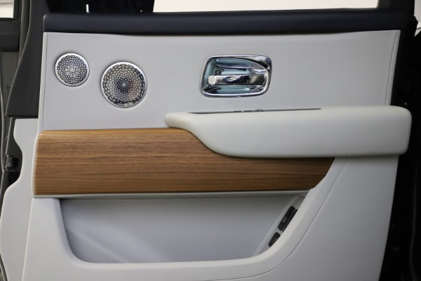 Used 2019 Rolls-Royce Cullinan for sale $349,900 at Rolls-Royce Motor Cars Greenwich in Greenwich CT 06830 21